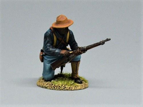 10th Cavalry Soldier Kneeling Loading
