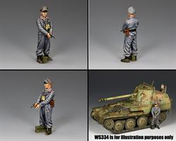 Self-Propelled-Gun Officer w/Pistol